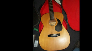 Vintage coustic guitar. Anjo F50. With case.