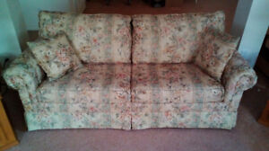 Pullout bed Couch