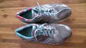Size 8 running shoes SAUCON PRO/GRID