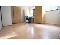 Single/Double Rooms Available 4min To Newbury Park Station £390-£560pm