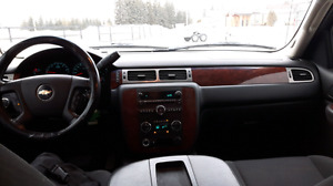 2009 Avalanche 8 cylinder