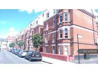 1 bedroom flat in Eagle Mansions, London, N16 (1 bed)