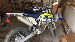 2017 Husqvarna FE350s NEW Street legal  (looking for Raptor 700)