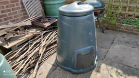 Plastic compost bin, large