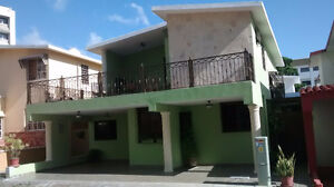 WALKING DISTANCE TO OCEAN (MALECON) HOUSE IN SANTO DOMINGO