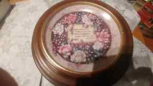 Remembrance collectors plate by jan anderson