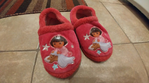Dora girls slippers (size 9-10)