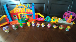 Huge 15 piece Little People circus set