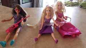 Jouets Barbie, station de plâge, poupées