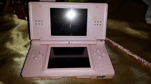 PINK DS LITE WITH GAME AND CHARGER