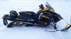 2014 ski doo renegade 1200.....same as a new one!