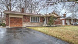 DESIRABLE BUNGALOW IN 6 BLUEJAY ST!!!