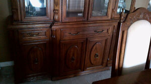 Oak Dining Room Table w 6 Chairs and China Cabinet Hutch Combo Kitchener / Waterloo Kitchener Area image 2