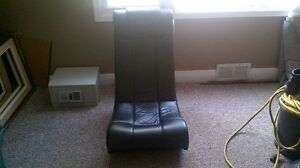Custom rocker gaming chair with build in speakers