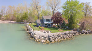 Luxury Waterfront Lake Erie Cottage Rental- Birder Paradise