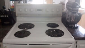 White electric stove Windsor Region Ontario image 2