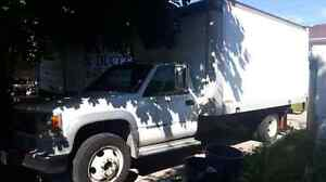 VERY NICE 1998 GMC 3500HD DIESEL CUBE TRUCK WITH ONLY 160K KMS!