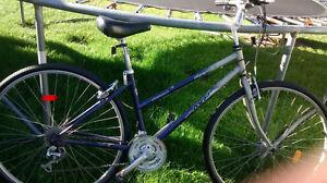 vélo hybride 26 po tres propre 18 vitesses