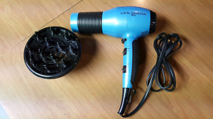 HAIR DRYER with DIFFUSER - LIKE NEW