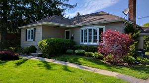 Charming 3 Bedroom House for Rent off Lovers Lane In Ancaster