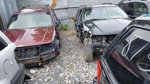 Jeep Grand Cherokee 2001 red- Pour pièces chez Asselin-For parts