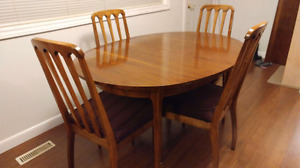 1960s Victoriaville dining set, table and 4 chairs.