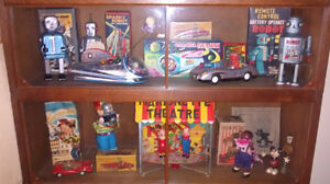 WANTED OLD TIN TOYS, ROBOTS AND ADVERTISING SIGNS, TINS DISPLAYS