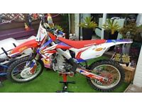 Honda crf 450 r efi low hour bike