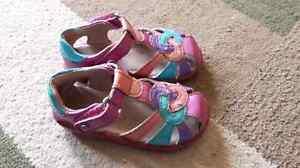 Stride rite toddler sandals size 6