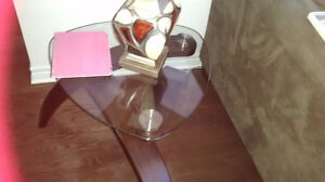 set of glass tables - tables en verre