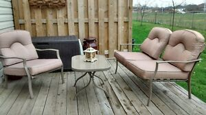 Patio Set in awesome condition
