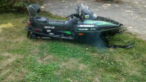 ** Arctic Cat Wildcat snowmobile 700 fuel injected w reverse