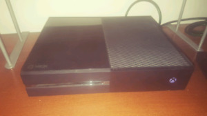Xbox One 500GB + 2 Games and Controller
