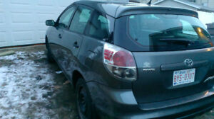 LOW KM 2006 Toyota Matrix Hatchback $5000 obo trades considered