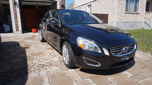 2012 Volvo S60 T6 Turbo AWD - 37,000km