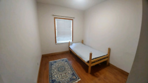Furnished Rooms in Whitby (Students Preferred)
