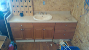 Six foot vanity three pieces 24 inches