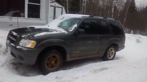 2001 Ford Explorer SUV, Crossover