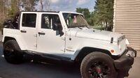 VENDU ----2013 Jeep Wrangler Sahara Unlimited