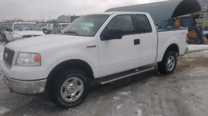 4x4 Ford F-150  Low Kms