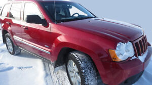 2010 Jeep Grand Cherokee North, fully loaded!