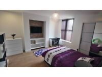 1 bed room available, luxurty, bills included, Fallowfield, close to transport heading to Uni, city