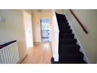 Nice Clean Rooms Available In REDBRiGDE, 4min To Newbury Park Station £390-£560pm