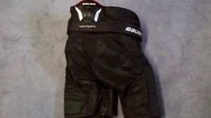Bauer Vapor x5.0  Hockey Pants Kitchener / Waterloo Kitchener Area image 3