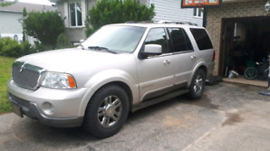 2004 Lincoln Navigator  NEED GONE BEFORE WINTER