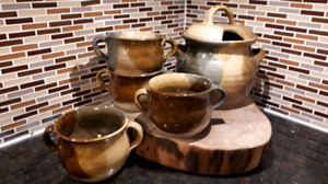Pottery soup crock with 4 bowls