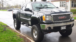 2010 gmc sierra sle ground effects lifted 10.5 on 37s