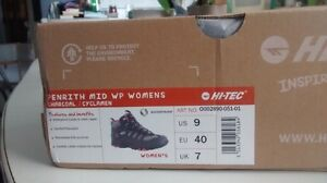 Woman Hiking Boots Size 9 Cornwall Ontario image 4