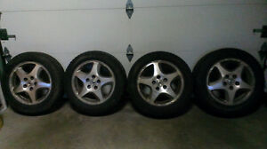 VENDS 4 ROUES ACURA 205 x 60 R16 =  200$