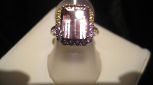 AMETHYST & CITRINE COMBINE IN 1 STONE TO FORM RARE AMETRINE RING